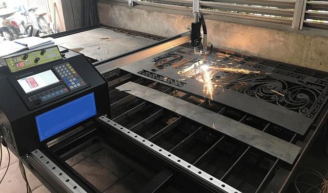 Máy cắt plasma tự động