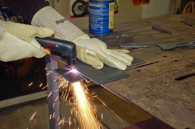 hướng dẫn sử dụng máy cắt plasma cầm tay