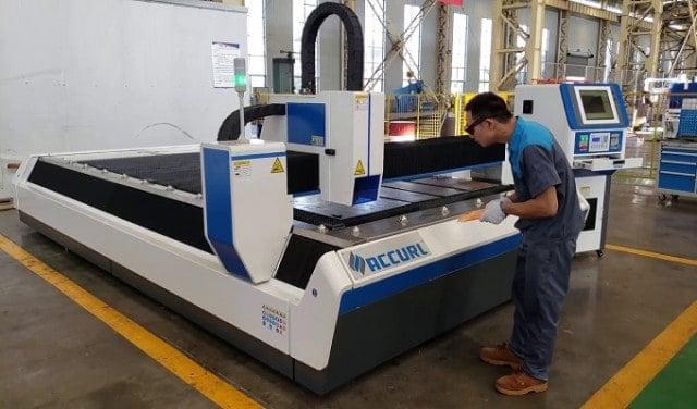 Dịa Chỉ Mua Máy cắt CNC Nhật Bản