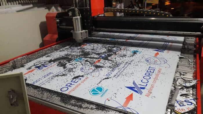 Máy Cắt Nhựa CNC - Tiện Lợi và Tiết Kiệm Bất Ngờ 1
